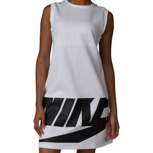 NIKE NSW IRREVERENT DRESS New with Tags